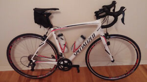 velo full carbone Specialized Roubaix comp SL4
