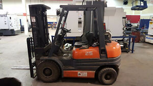 Toyota 42-6FGU25 forklift 4980 Hours, Very clean