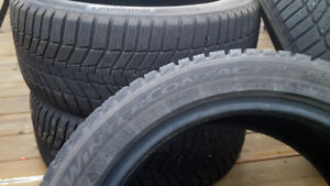 Continental Winter Contact SI 225/45R17 Pneus d'hiver / Tires