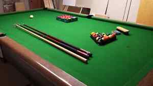 Vintage Pool Table Made in Canada Cambridge Kitchener Area image 2