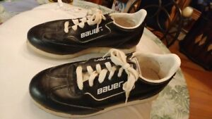 BAUER CURLING SHOES ( LIKE NEW)  $40.00