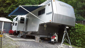 Roulotte fifth wheel 36 pieds Presidential by Holyday Rambler