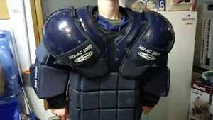 box lacrosse goalie chest protector Cat 3