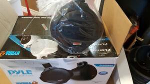 200 watt marine pod speakers.
