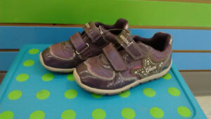 (314A) Girl's sneakers GEOX Size 9