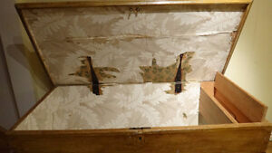 Antique Pine Blanket Box West Island Greater Montréal image 3