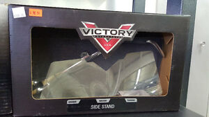 VICTORY CHROME SIDE STAND
