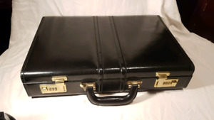 Bn ATTACHE case