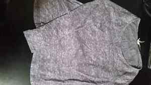 Lot of women's clothes size xs-s Cornwall Ontario image 2