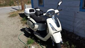 Deluxe Package and Retro Kit Scooter