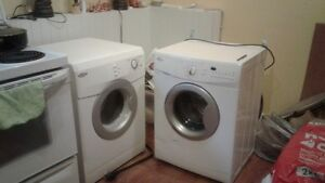 washer and dryer Whirpool White one year old