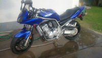 yamaha fz 1 low km only 5690 on this 1000cc