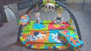 Bright starts play mat with musical toy