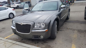 2010 Chrysler 300 LIMITED in great condition