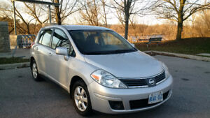 2009 Nissan Versa SL Hatchback needs new home!  Winter Tire pkg!
