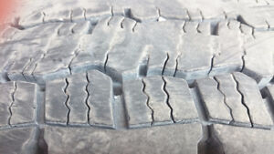 Used 2 Tires for Heavy Truck Flatbed Dry Van Reefer 53'' Trailer