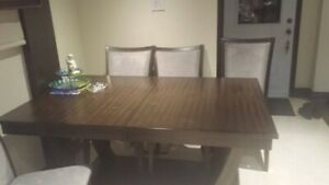 Dining table with 6 chair 385