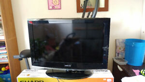 32 inch samsung lcd tv with remote