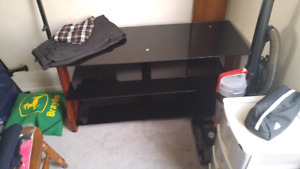 Sellng tv stand