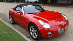 2008 Pontiac Solstice Convertible only 13700 kms