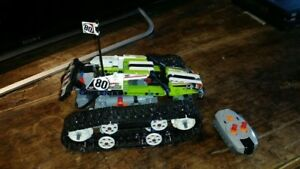 Lego - Technic - RC Tracked Racer (Motorized) - Assembled