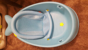 Moby Smart sling 3 stage baby bathtub