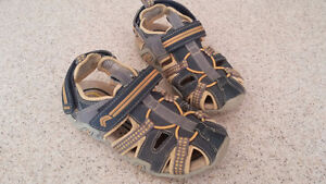 Geox sandal youth size 2 London Ontario image 1