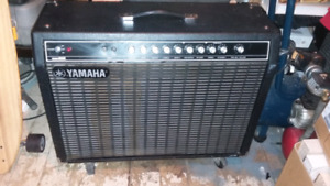 Yamaha hundred 212 amp