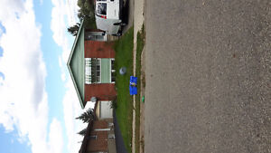 North Galt 4 plus 2 bdrm inlaw suite  bungalow backing on park