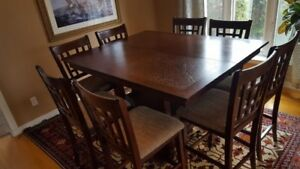 Mahogany Dining table + 8 chairs