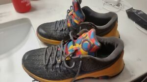 KD eight mens shoes size 9