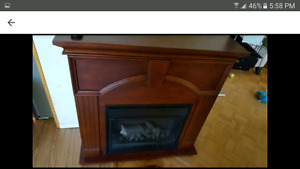 Fireplace heater with mantle and remote with sound !