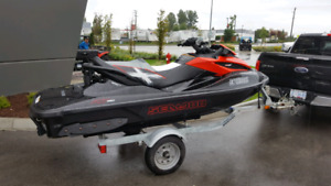 Mint 2014 Sea Doo RXT-X 260 25hrs Trailer and Cover