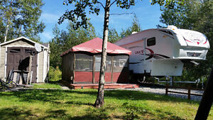 Caravane a sellette/Fifth Wheel 31rets sur un camping a bromont