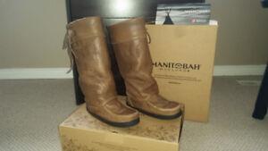 Women Winter Boots - Manitobah Mukluks Brand (Size 7)