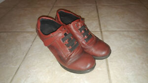 Women's ankle length boots. Size 8.5 (Euro size 39).