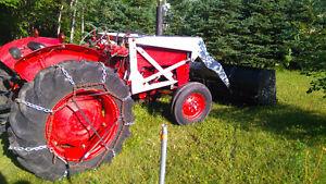 tracteur et pelles