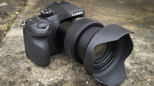 Panasonic FZ1000 - $850 or swap/trade for cash and older DSLR...