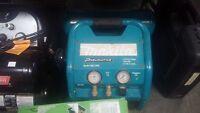 compresseur a air 4.2 gallon makita en bonne condition