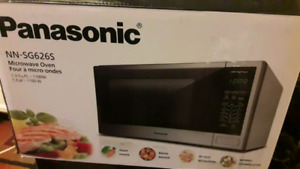 Panasonic Mircowave 1.3 Cu ft Brand New and other new Products