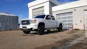 2011 duramax denali 2500 Edmonton Edmonton Area image 1