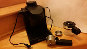 White-Westinghouse CAFE Cappuccino & Espresso Maker Kit