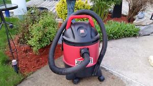 Shop Vac Vacuum Cleaner / Balayeuse Aspirateur Portable Shop-Vac