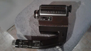 Kodak EktaSound 240 Movie Camera with Baia Bonte view Editor vie