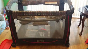 Graco Element Pack & N Play Playard with Bassinet, Mickey Mouse
