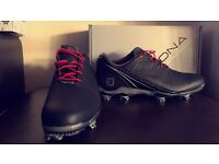 DNA golf shoes in new condition SIZE 11