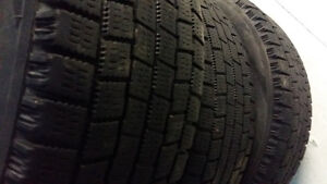 WINTER TIRES  195 /60 / 15  .. HIVER