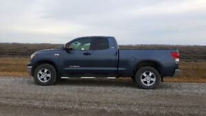 Saftied 2007 Toyota Tundra 5.7 L V8 SR5 Double Cab Tow Package
