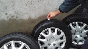 4 pneus d hiver  toyo avec  jantes 185 /65/14