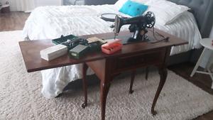 Vintige electric Singer Sewing Machine